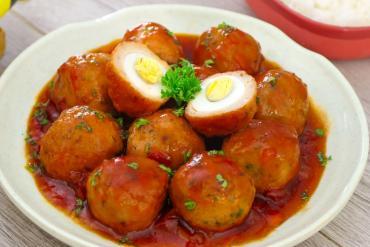 Hướng dẫn làm chả cá trứng cút đậm đà đưa cơm