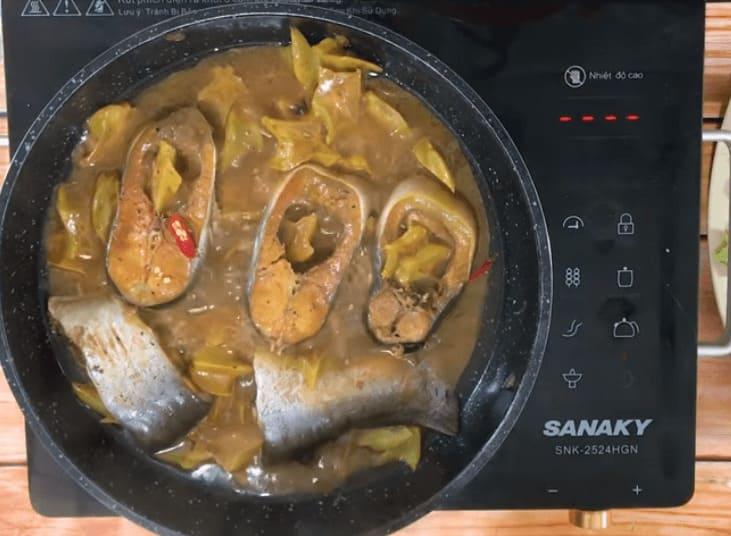 cách làm cá kho khế chua