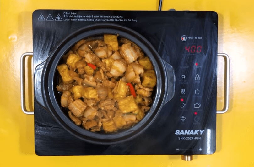 làm thịt kho đậu hũ nước màu dừa