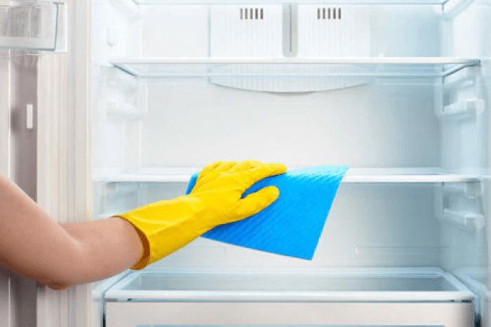 Dùng giấm vệ sinh tủ lạnh