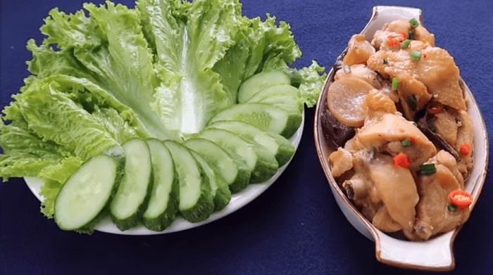 gà kho củ cải muối