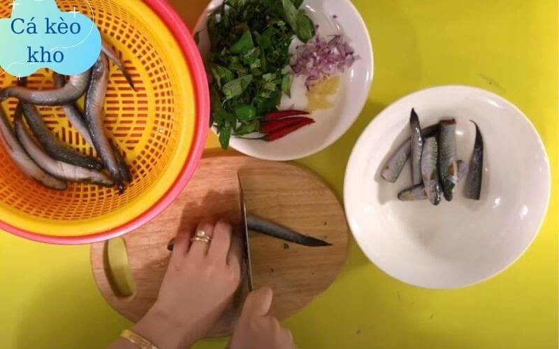nấu cá kèo kho rau răm