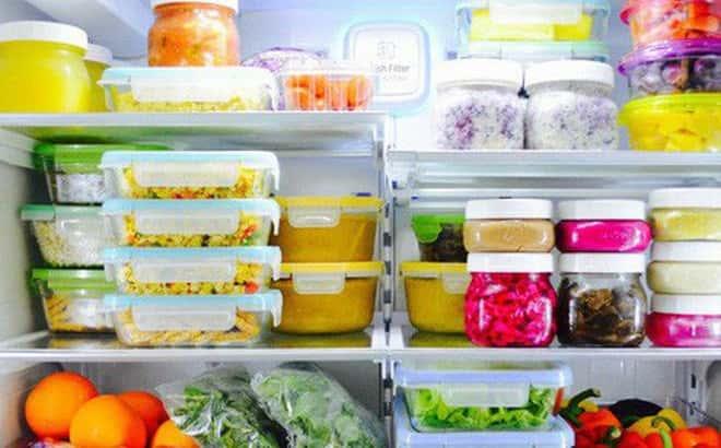 sử dụng giấm vệ sinh tủ lạnh