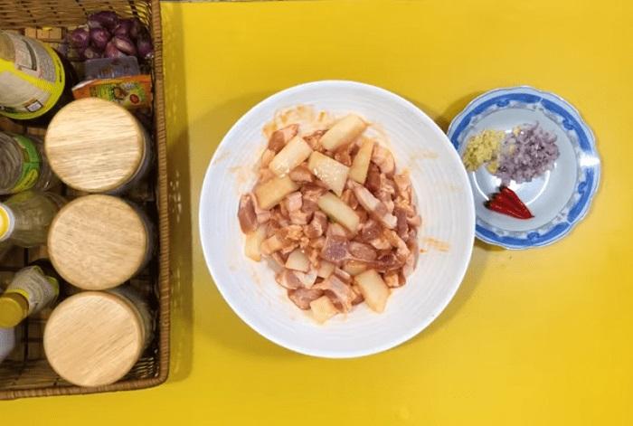 thịt kho củ cải đường - A TUẤN KHANG