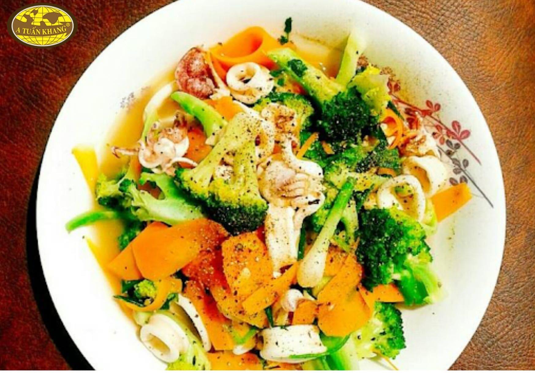 mực xào sa tế bông cải - A TUẤN KHANG