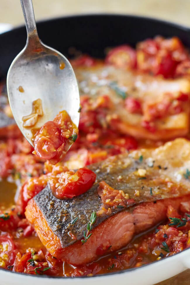 Cá kho với cà chua