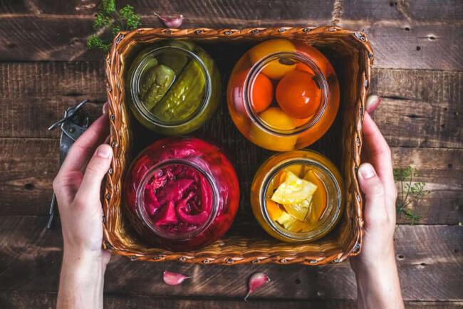 Giấm chuối dùng muối chua rau quả
