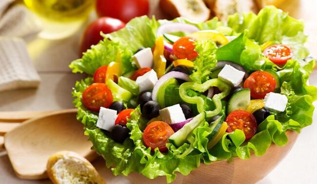 Giảm cân với salad dầu giấm