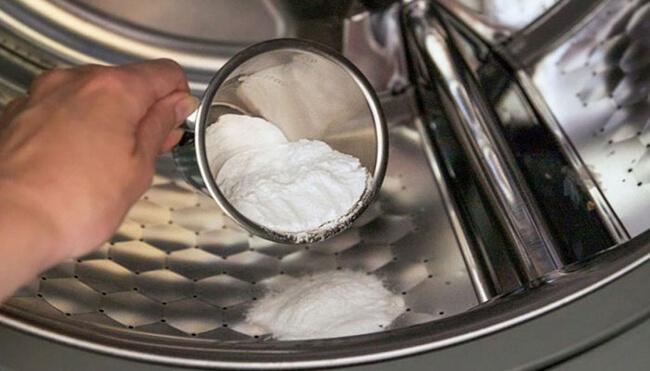 Dùng giấm + baking soda vệ sinh máy giặt