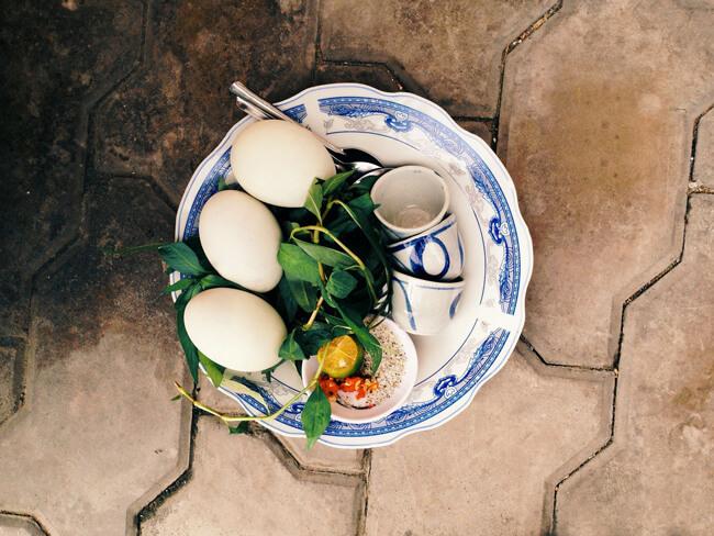 Món ăn kiêng ngày Tết - Trứng vịt lộn