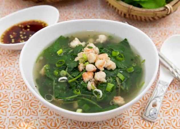 Canh rau má – món ăn ngày Tết đỡ ngán