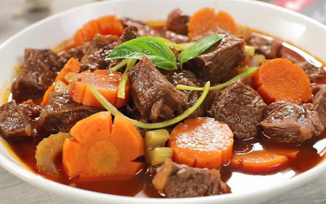 Nấu ăn ngon ngày Tết bò xốt vang
